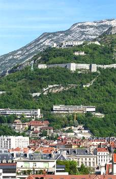 Vista della Bastille e Università (Foto di Guerino De Masi)